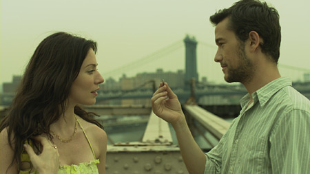 Lynn Collins and Josephn Gordon-Levitt in Uncertainty