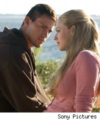 Channing Tatum, Amanda Seyfried in 'Dear John'