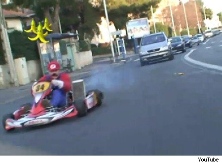mario kart on the streets of paris aol uk cars. Black Bedroom Furniture Sets. Home Design Ideas