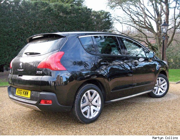 peugeot 3008 hybrid4 first drive review aol uk cars. Black Bedroom Furniture Sets. Home Design Ideas