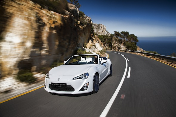Toyota unveils stunning convertible FT-86 Concept