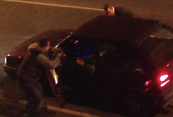 Pair attacked by meat cleaver-wielding carjackers