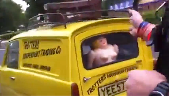 'Only Fools And Horses' Reliant replica stopped by cops
