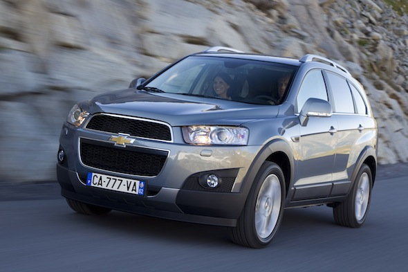 Sir Alex Ferguson sells Chevrolet Captiva at auction