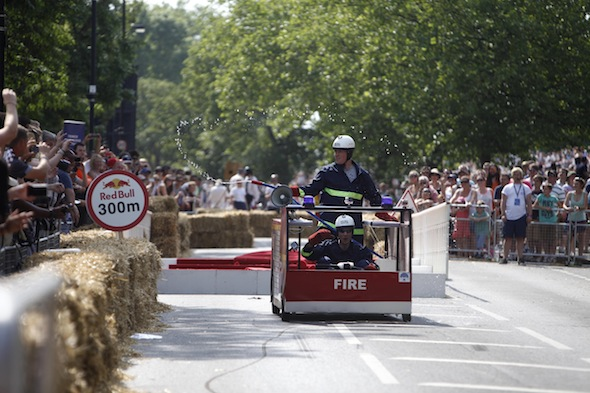 Crazy Red Bull soapbox race rolls into London