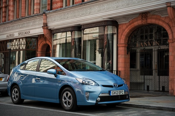 Women prefer Prius drivers to Ferrari owners, says new survey