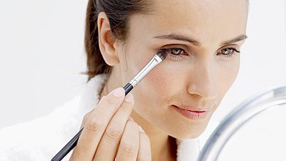 Anti-ageing makeup products