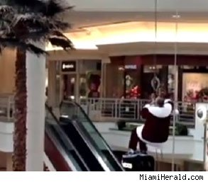 Santa Claus accident Florida mall