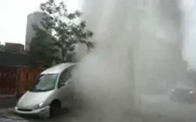 montreal-sewer-geyser-makes-hapless