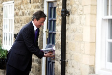 David Cameron delivering leaflets in Oxfordshire