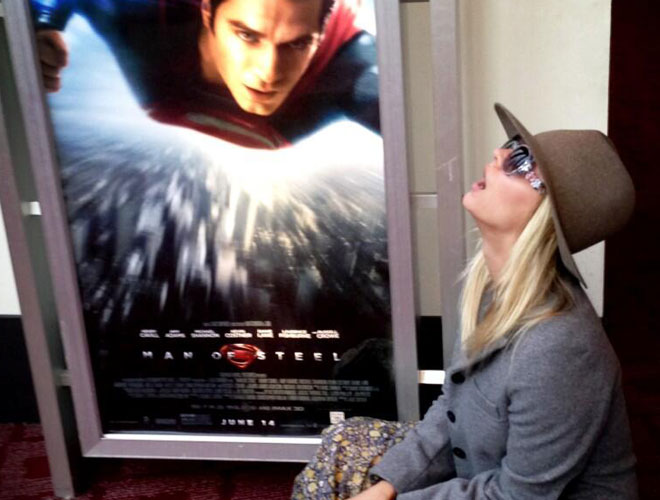 Kaley Cuoco Looks at 'Man of Steel' Poster