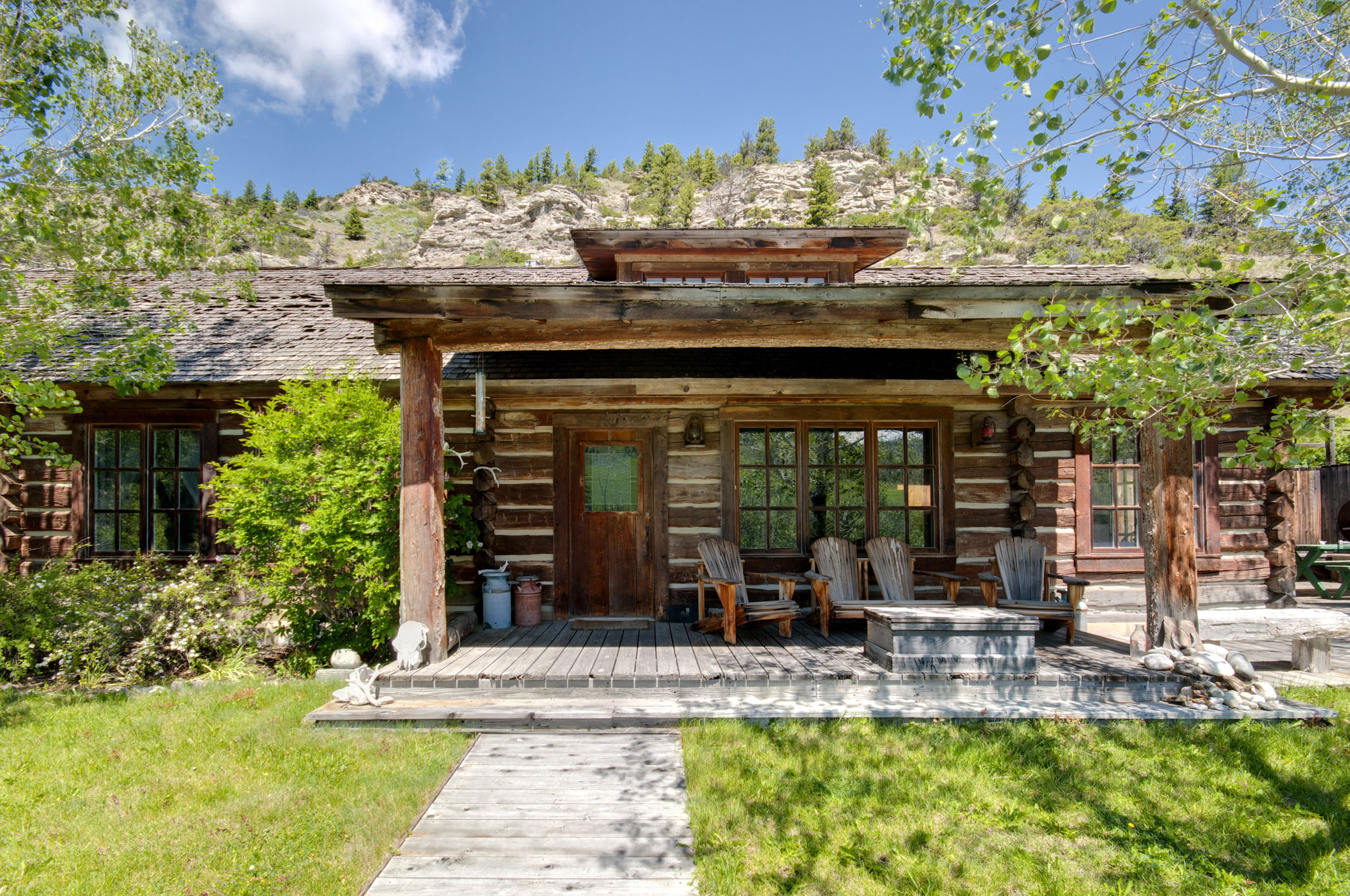 House Of The Day Montana Cabin Lists At 2 9 Million