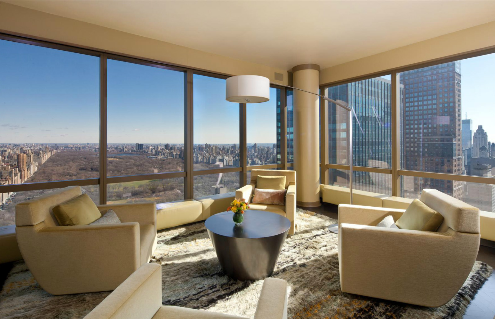 Buy christopher meloni 39 s place and he 39 ll throw in a for Buy apartment in manhattan