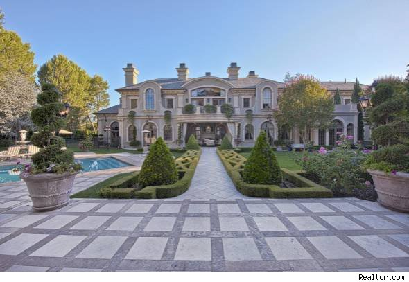 Adrienne Maloof A Star Of The TV Show Real Housewives Beverly Hills Has Listed Her Home For 26 Million And Husband Are Reportedly