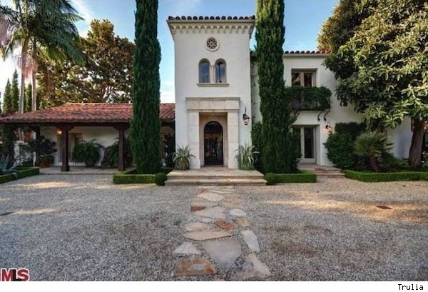 Kelly Grammar's house in Beverly Hills is up for sale