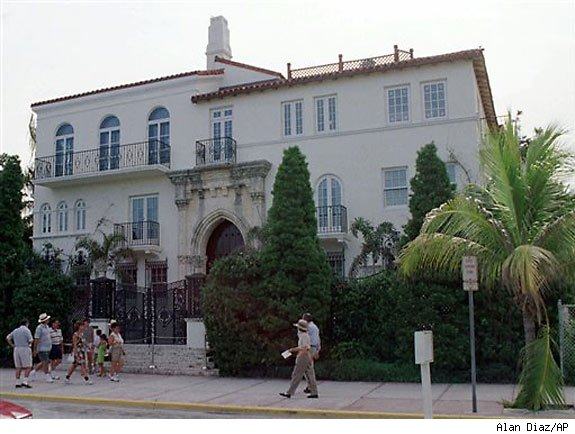 Versace mansion headed for auction block