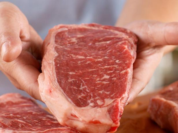 Here's how to defrost your frozen steaks in less than 5 minutes without using electricity