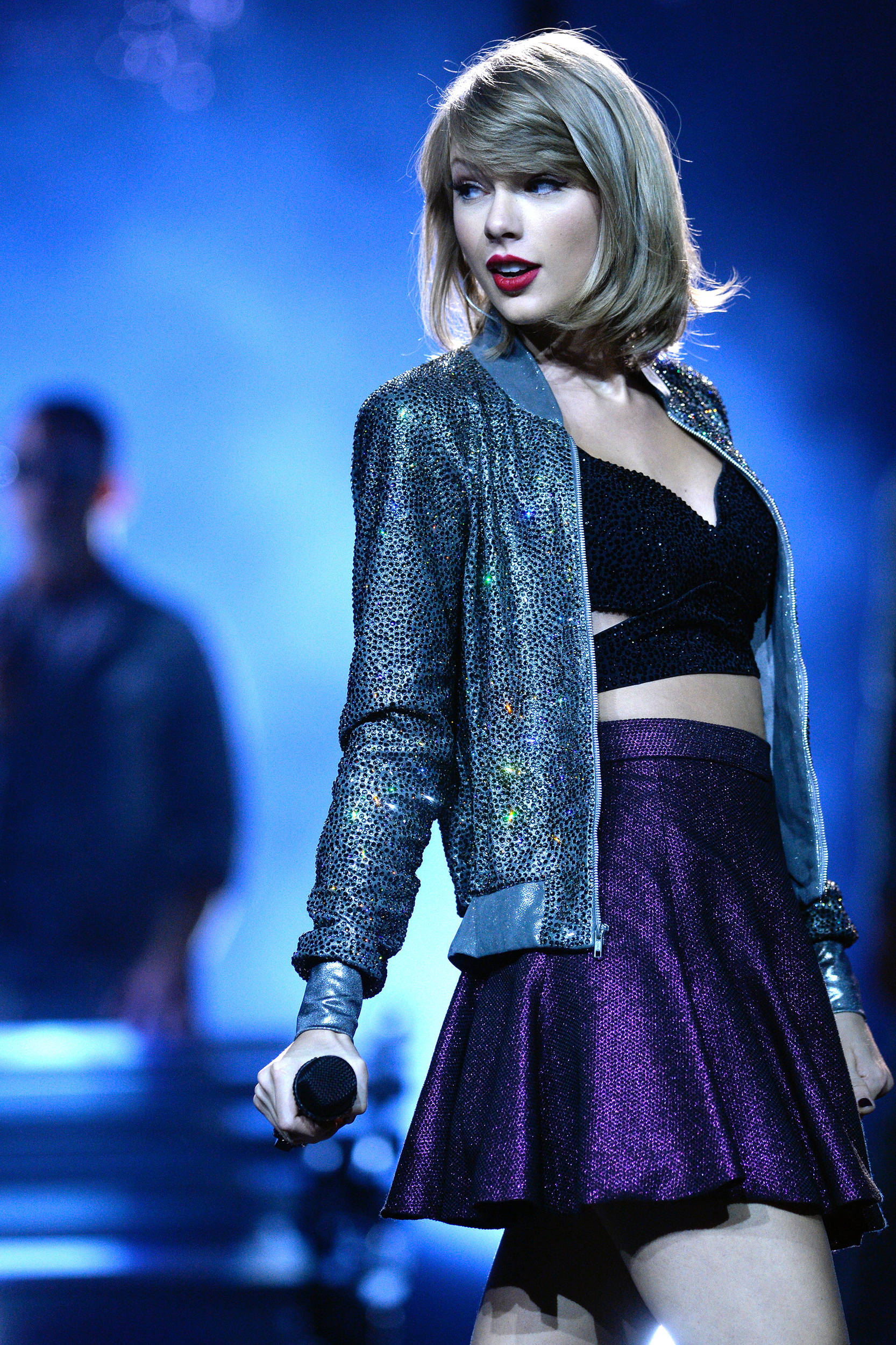 bd0cc410fa0c6a #TourTracker: Amazing snaps from Taylor Swift's 1989 Tour - AOL  Entertainment