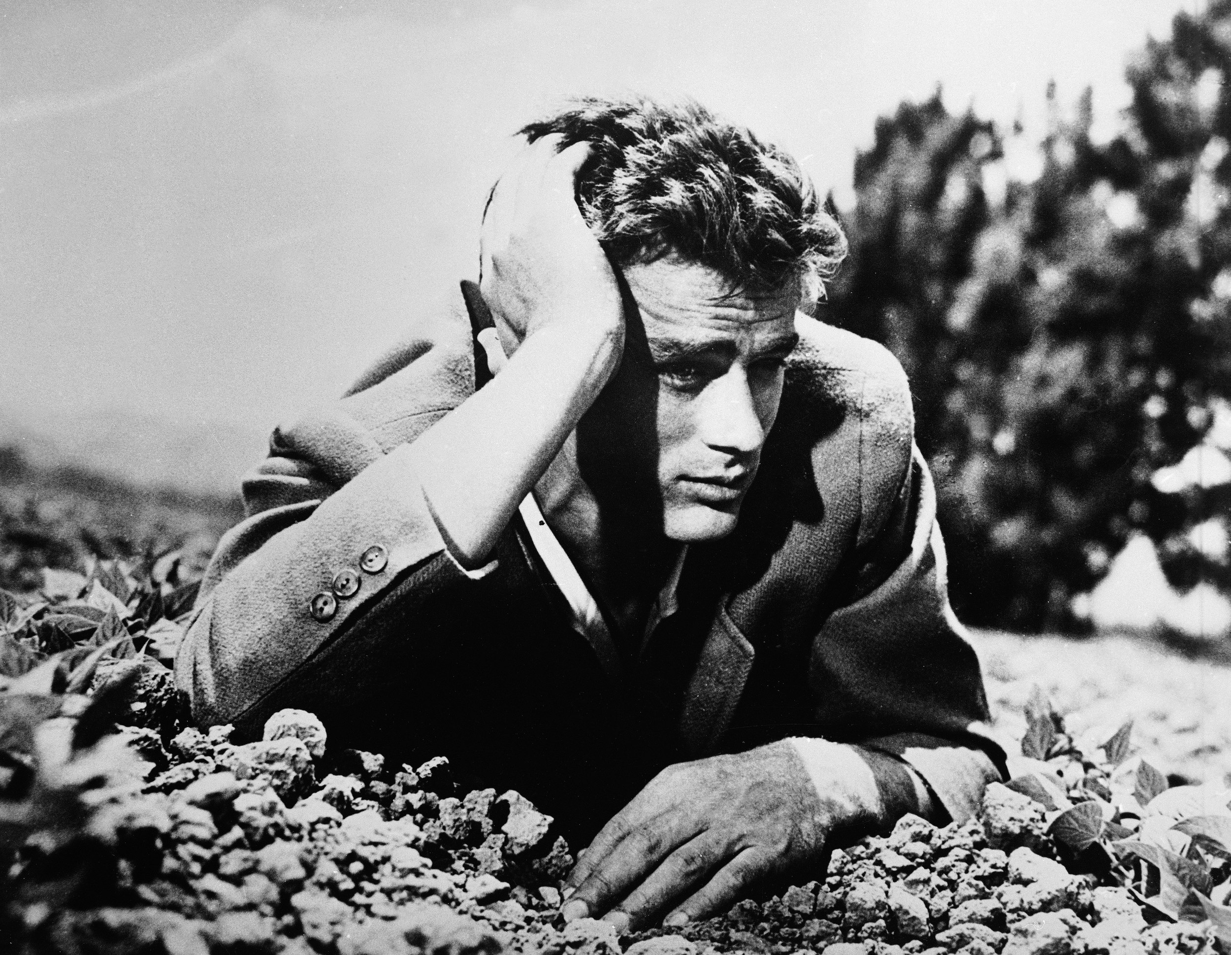 60 Years Today Hollywood Icon James Dean Passed Away Aol