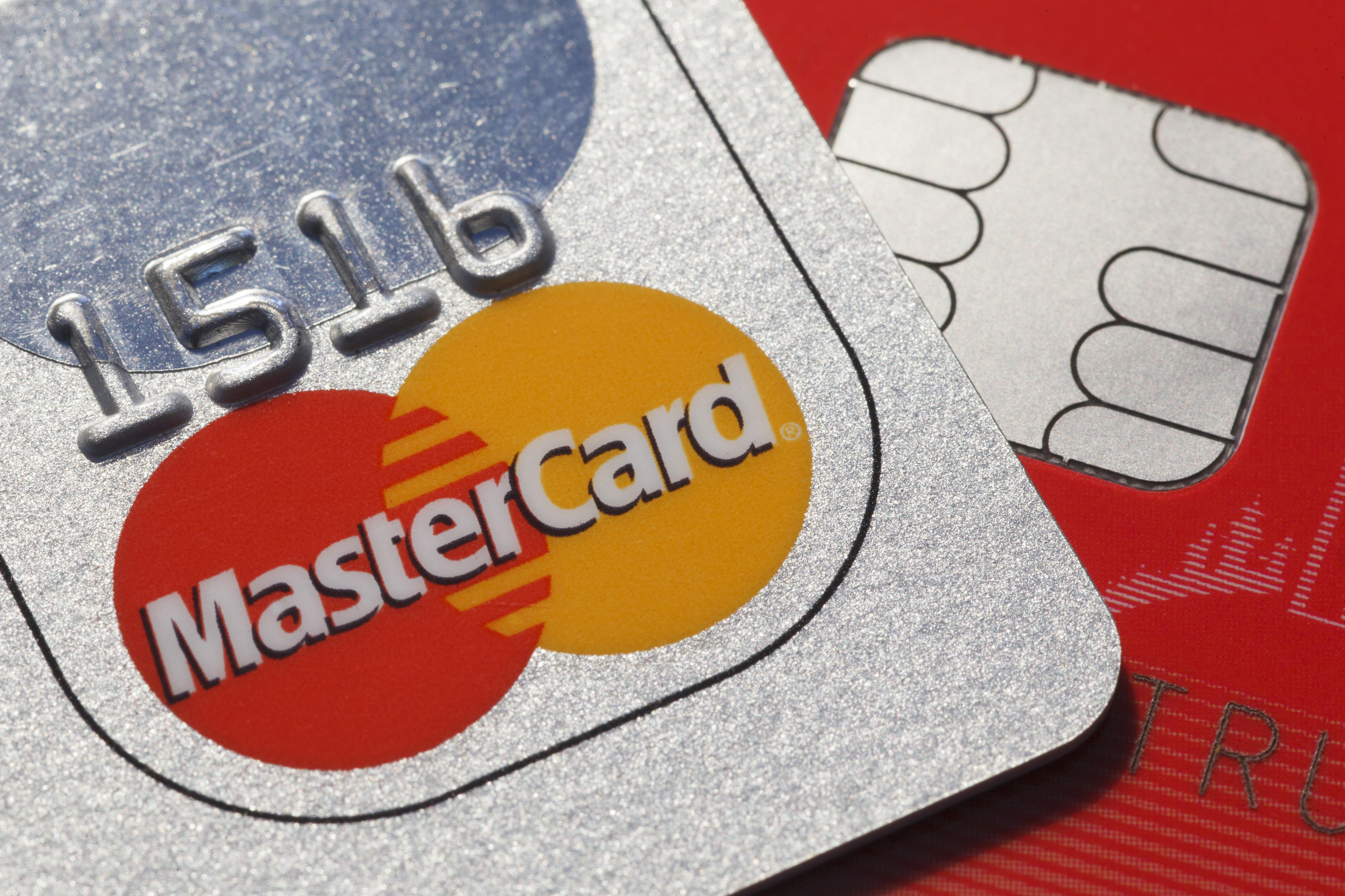 Researchers find security flaw with chip-based credit cards