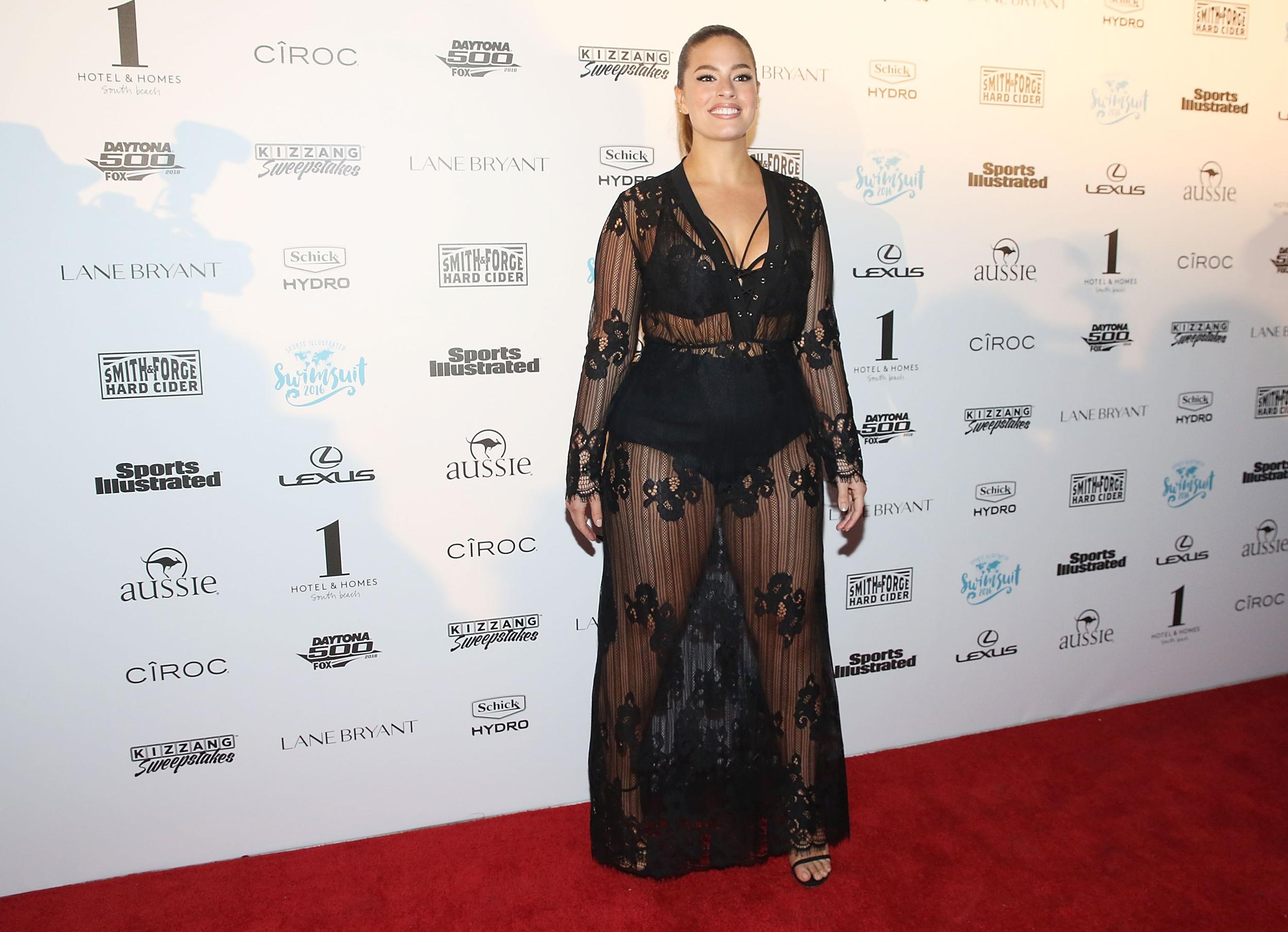 3d2a986e911c2 Sports Illustrated cover star Ashley Graham flashes her undies on the red  carpet - AOL Entertainment