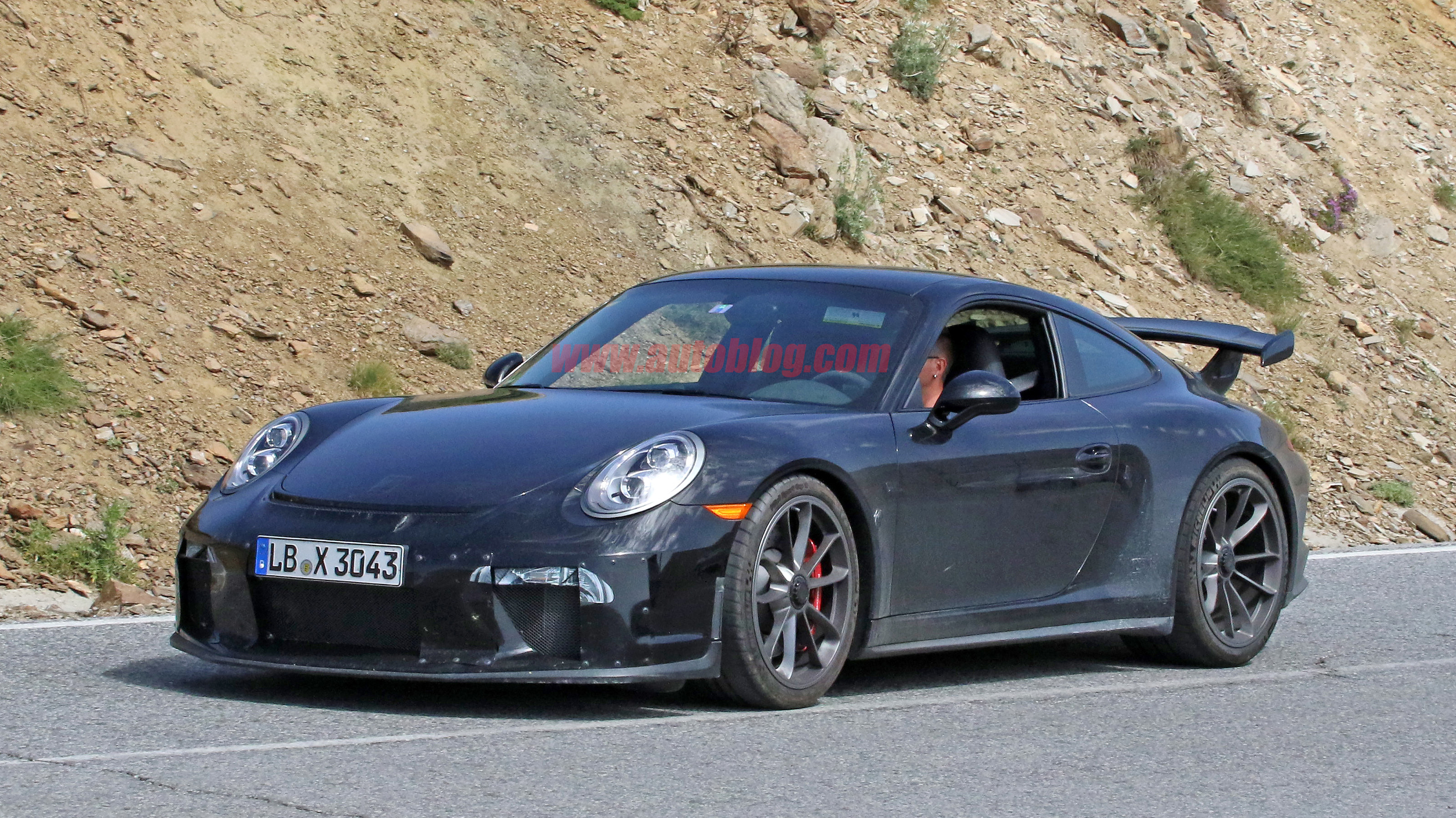Proof the Porsche 911 GT3 may get a manual transmission ...