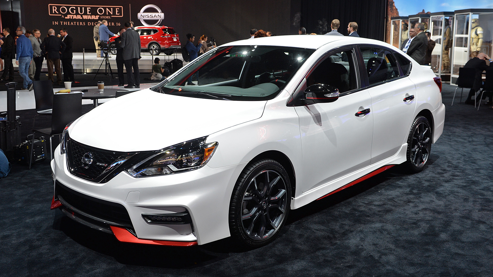 2017 nissan sentra nismo la 2016 autoblog. Black Bedroom Furniture Sets. Home Design Ideas