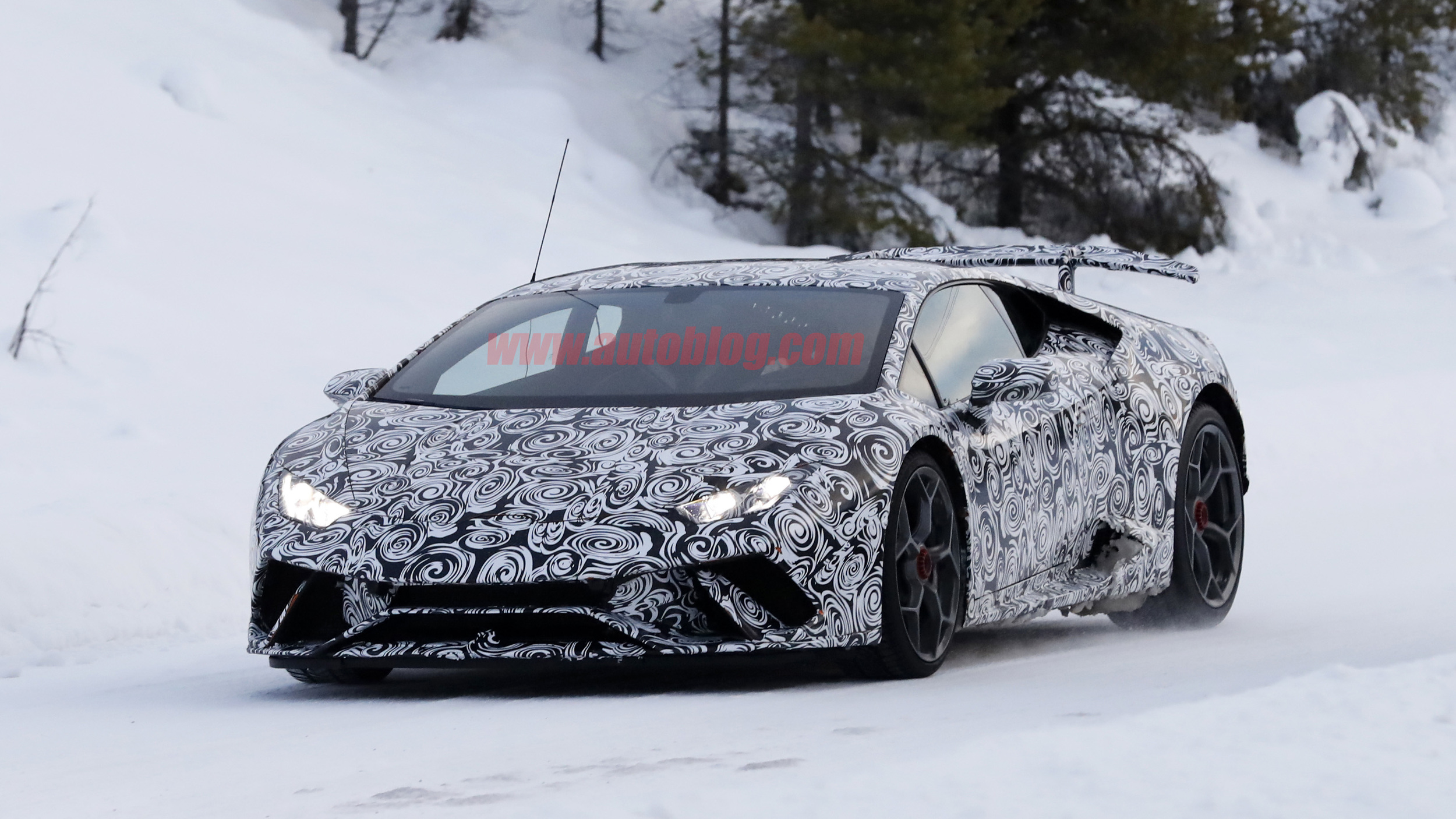 2018 lamborghini convertible. simple convertible 2018 lamborghini huracan superleggera spy shots photo gallery  autoblog for lamborghini convertible