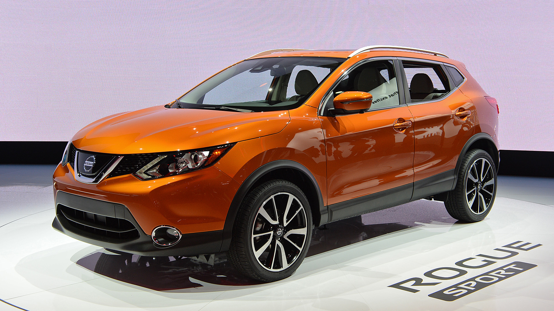 nissan creates the rogue dogue a crossover dog owners will be