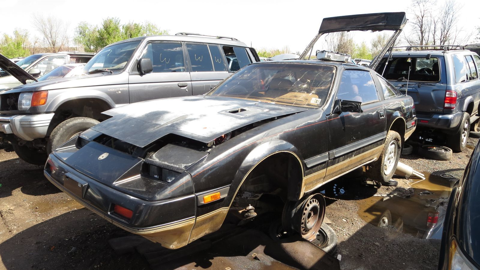 junked 1985 nissan 300zx turbo photo gallery - autoblog
