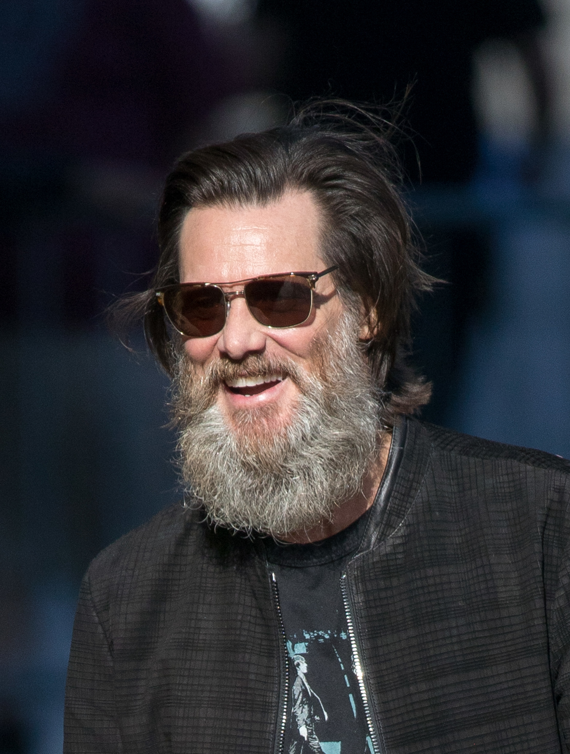 jim carrey n 39 en finit pas de faire pousser sa barbe. Black Bedroom Furniture Sets. Home Design Ideas