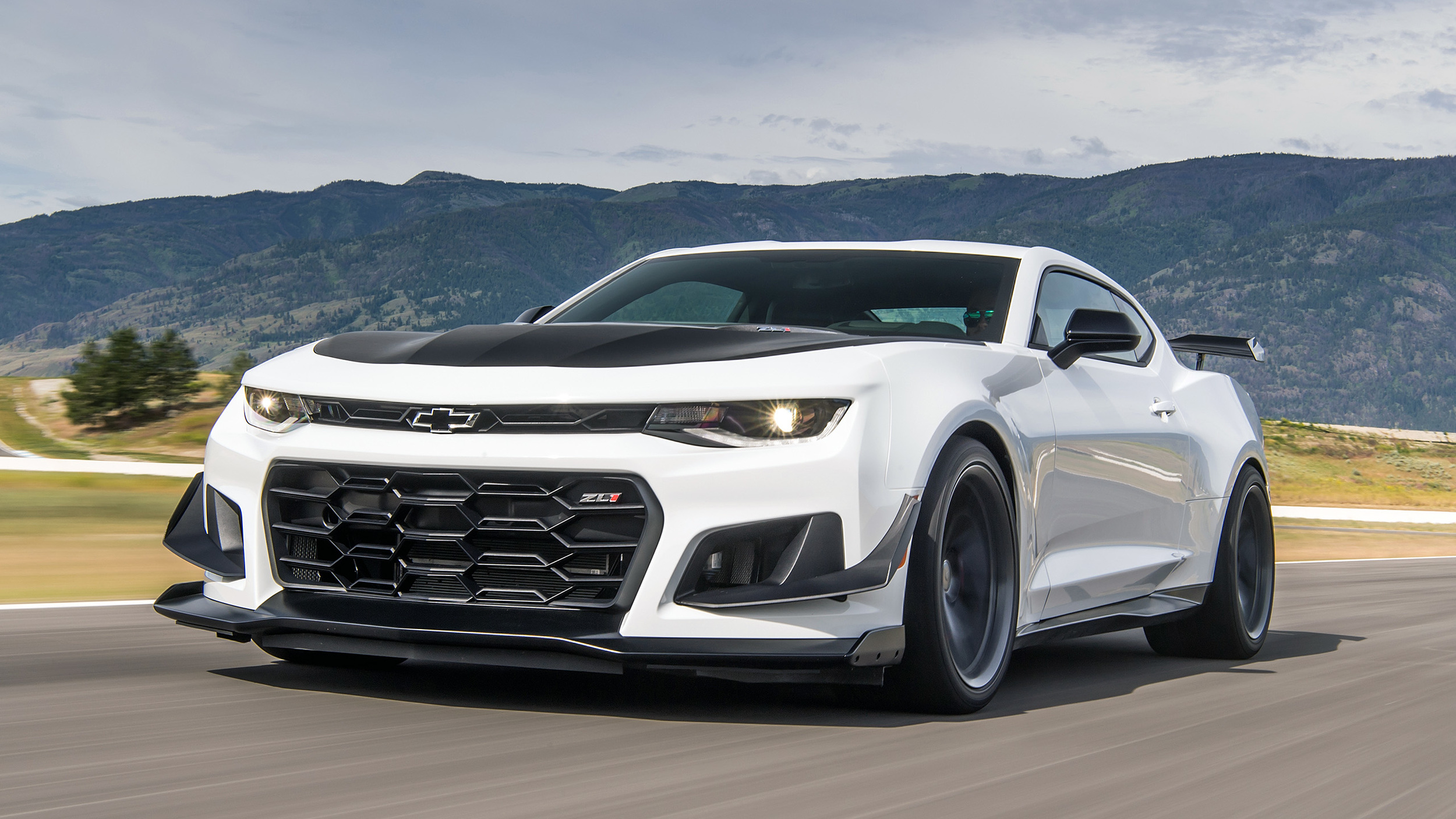 Aero And The Beast 2018 Chevy Camaro Zl1 1le First Drive Autoblog