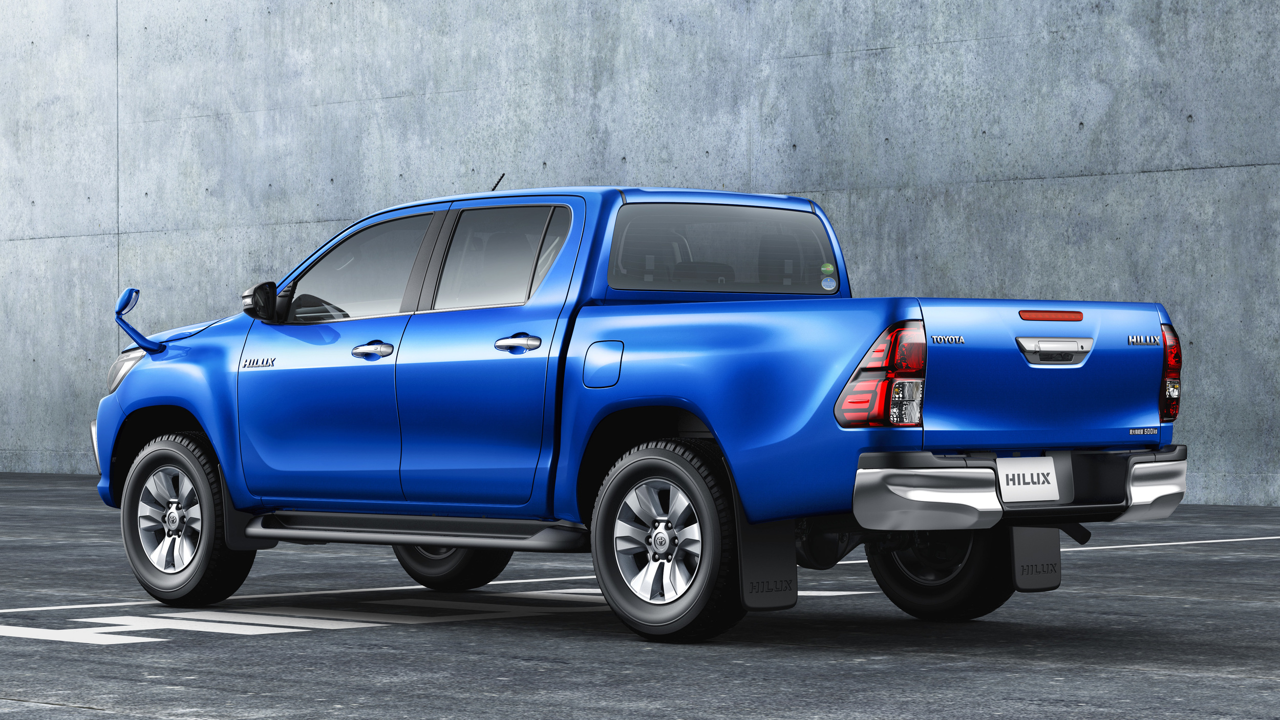 Toyota Certified Pre Owned >> Toyota Hilux comes home to Japan; there's Land Cruiser and FJ Cruiser news too | Autoblog