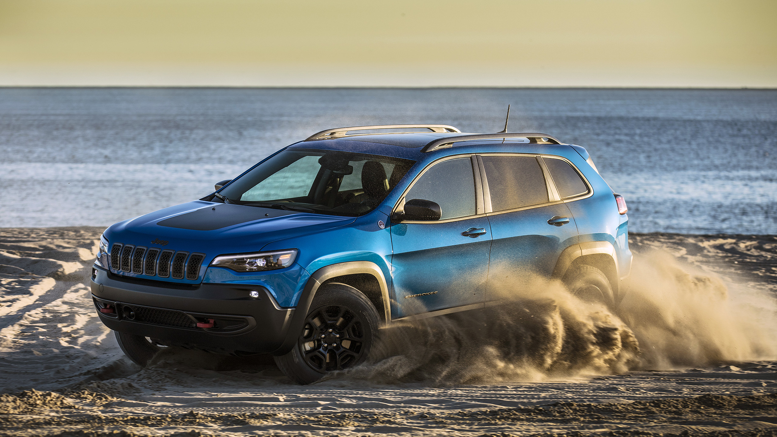 2019 Jeep Cherokee is a truck-like crossover with advantages off