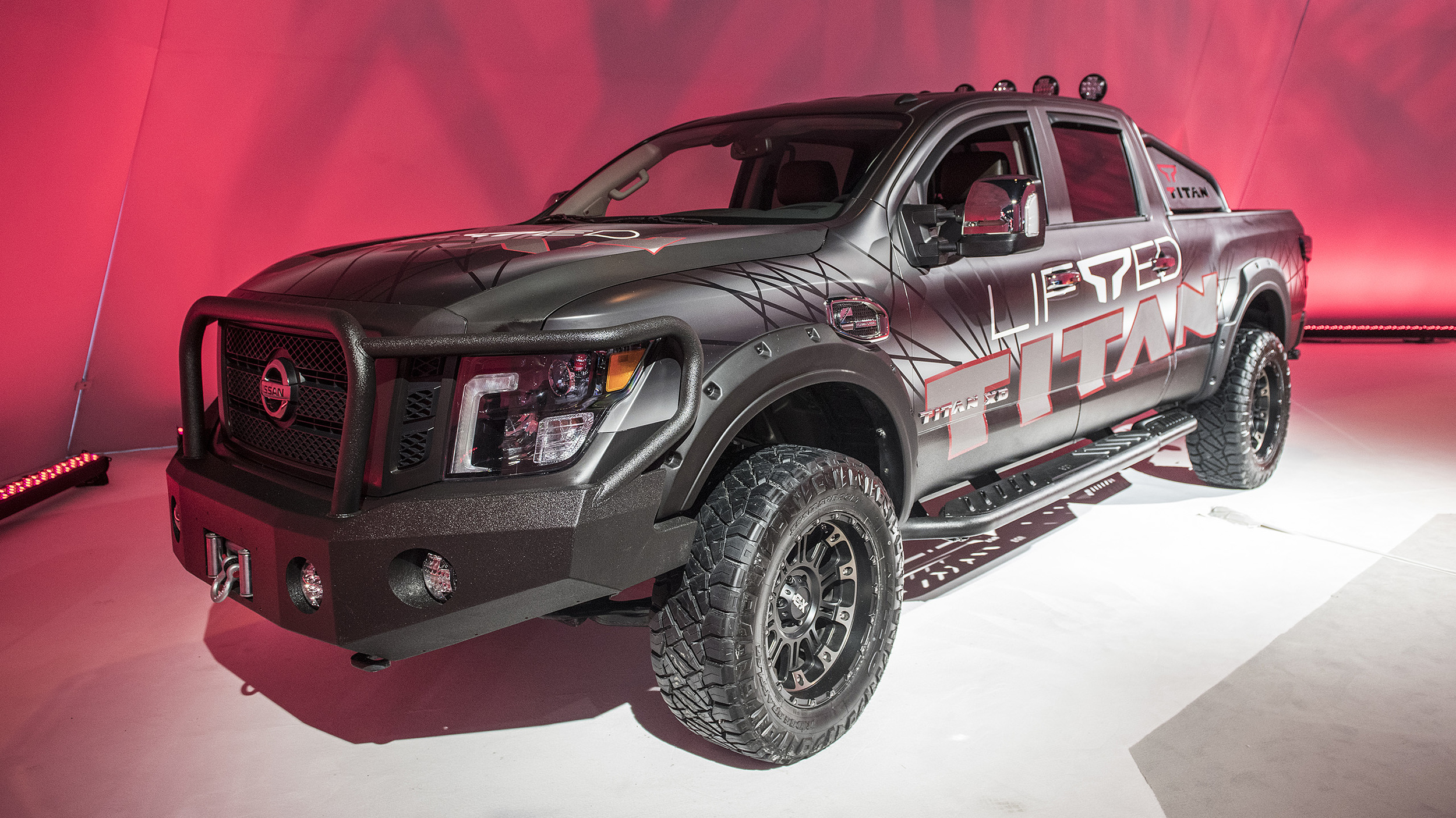 Gas Prices In Chicago >> Nissan Titan and Titan XD now available with factory-authorized lift kit | Autoblog