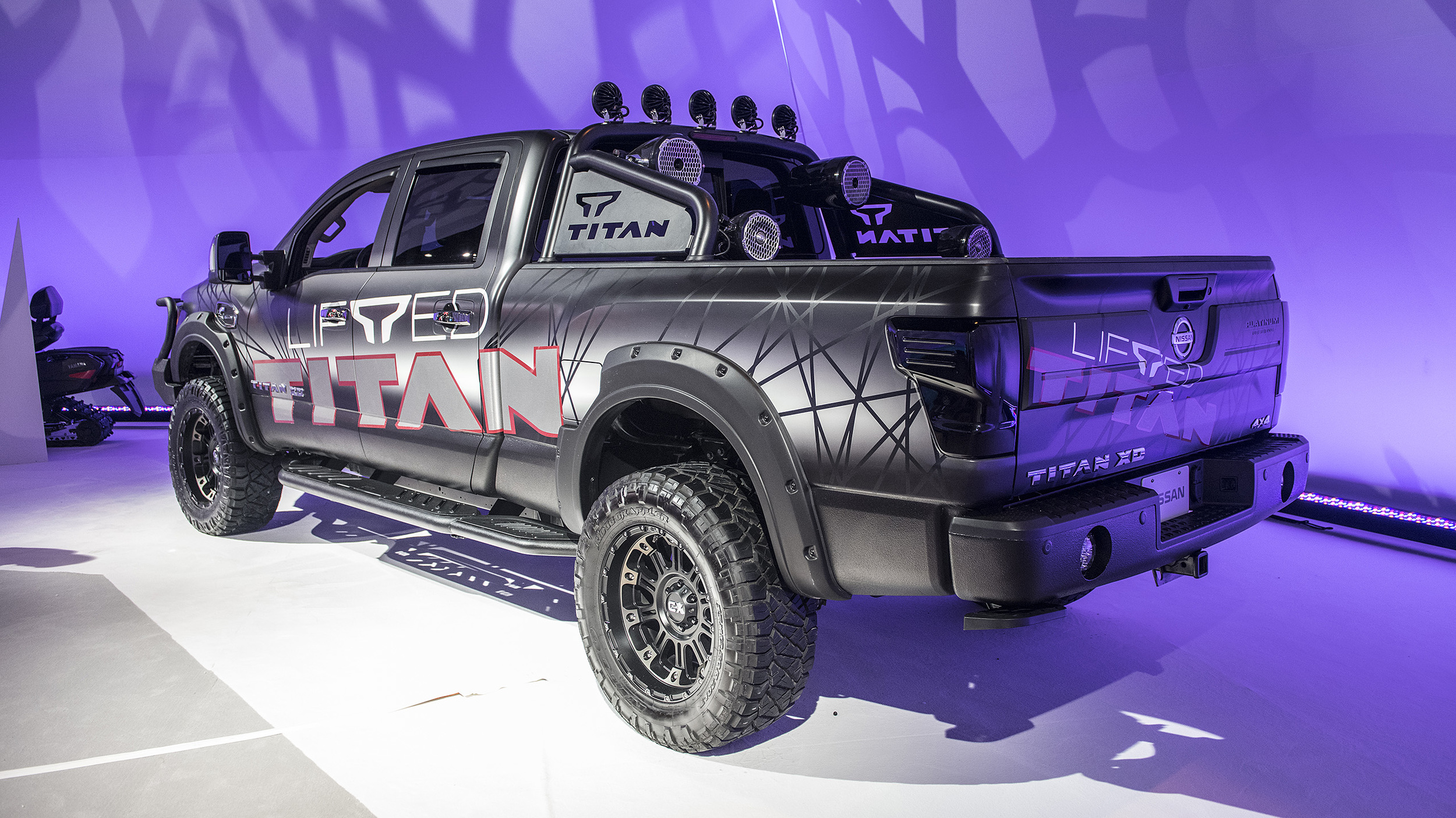 Lifted Titan Xd >> Nissan Titan and Titan XD now available with factory-authorized lift kit | Autoblog