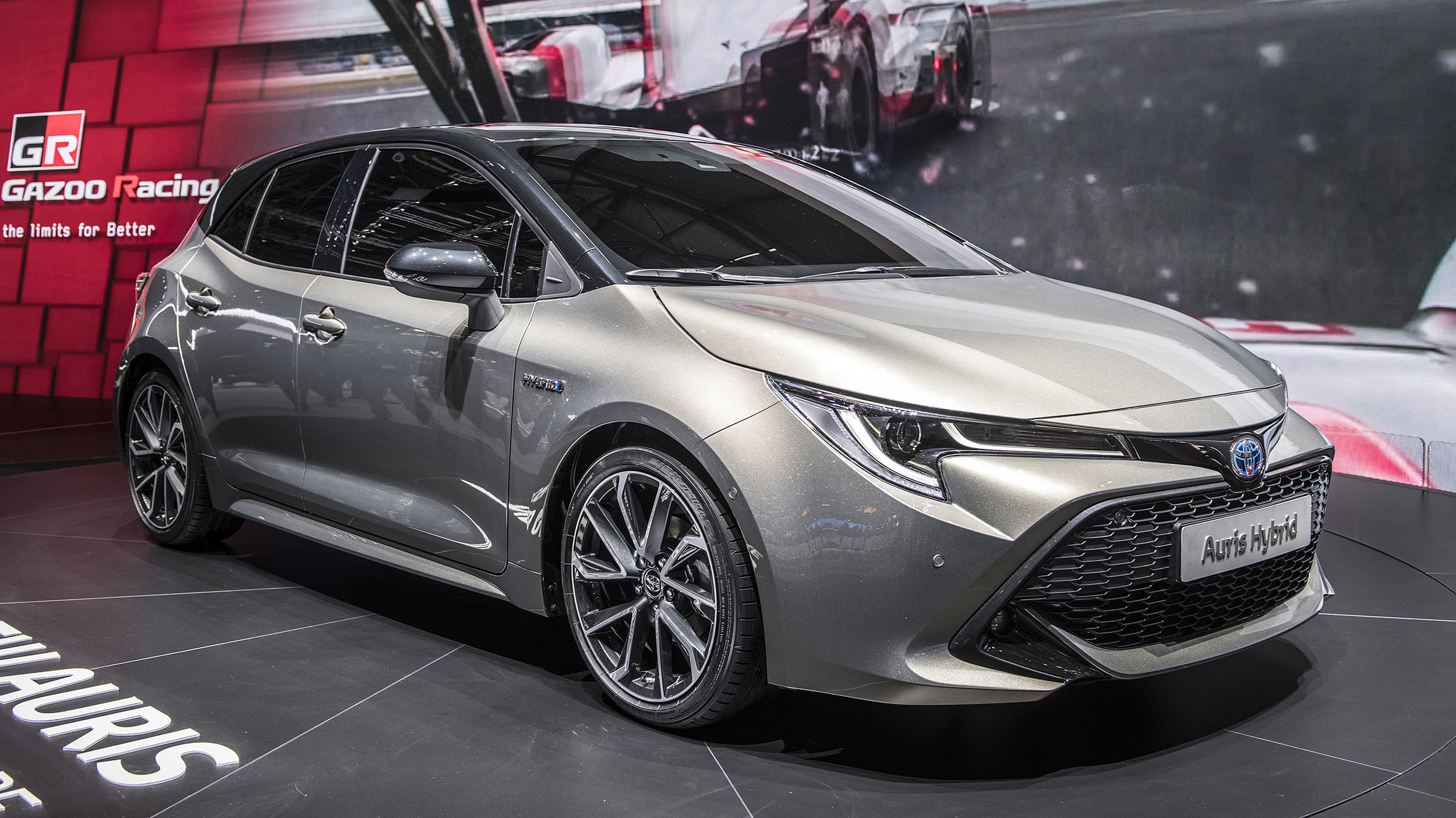 2018 toyota auris hybrid geneva 2018 autoblog. Black Bedroom Furniture Sets. Home Design Ideas
