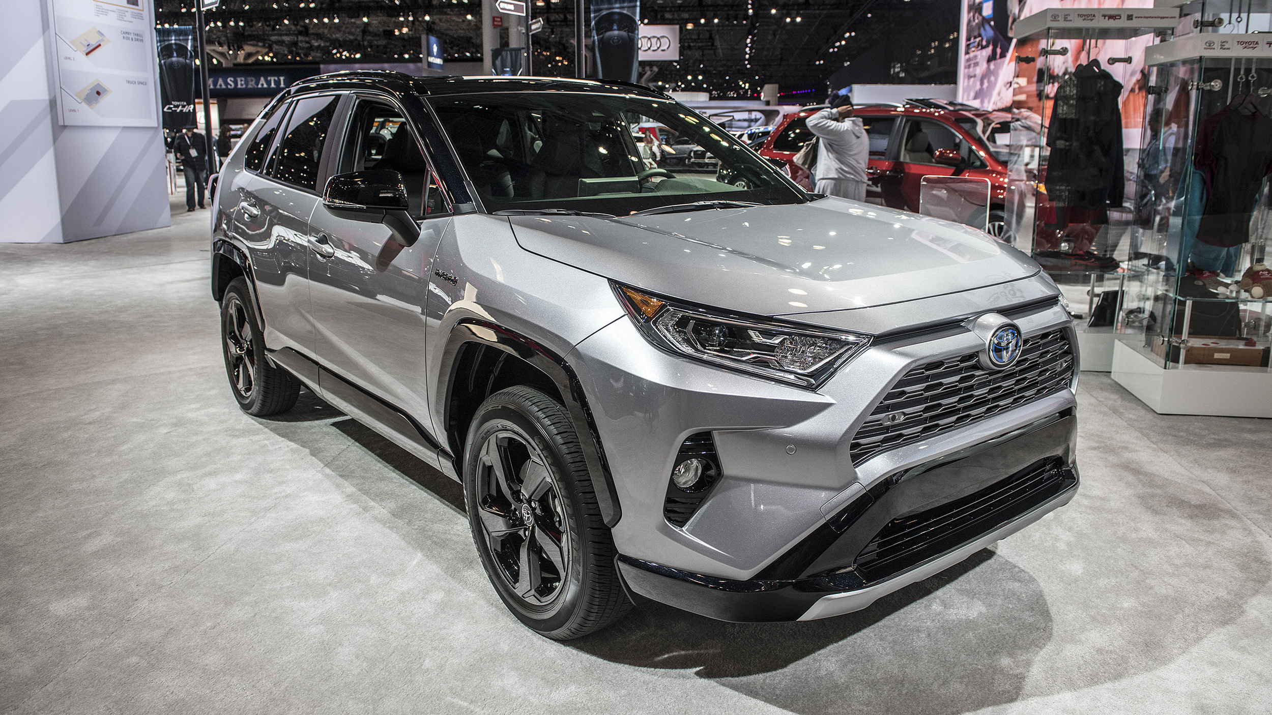 2019 toyota rav4 hybrid new york 2018 autoblog. Black Bedroom Furniture Sets. Home Design Ideas
