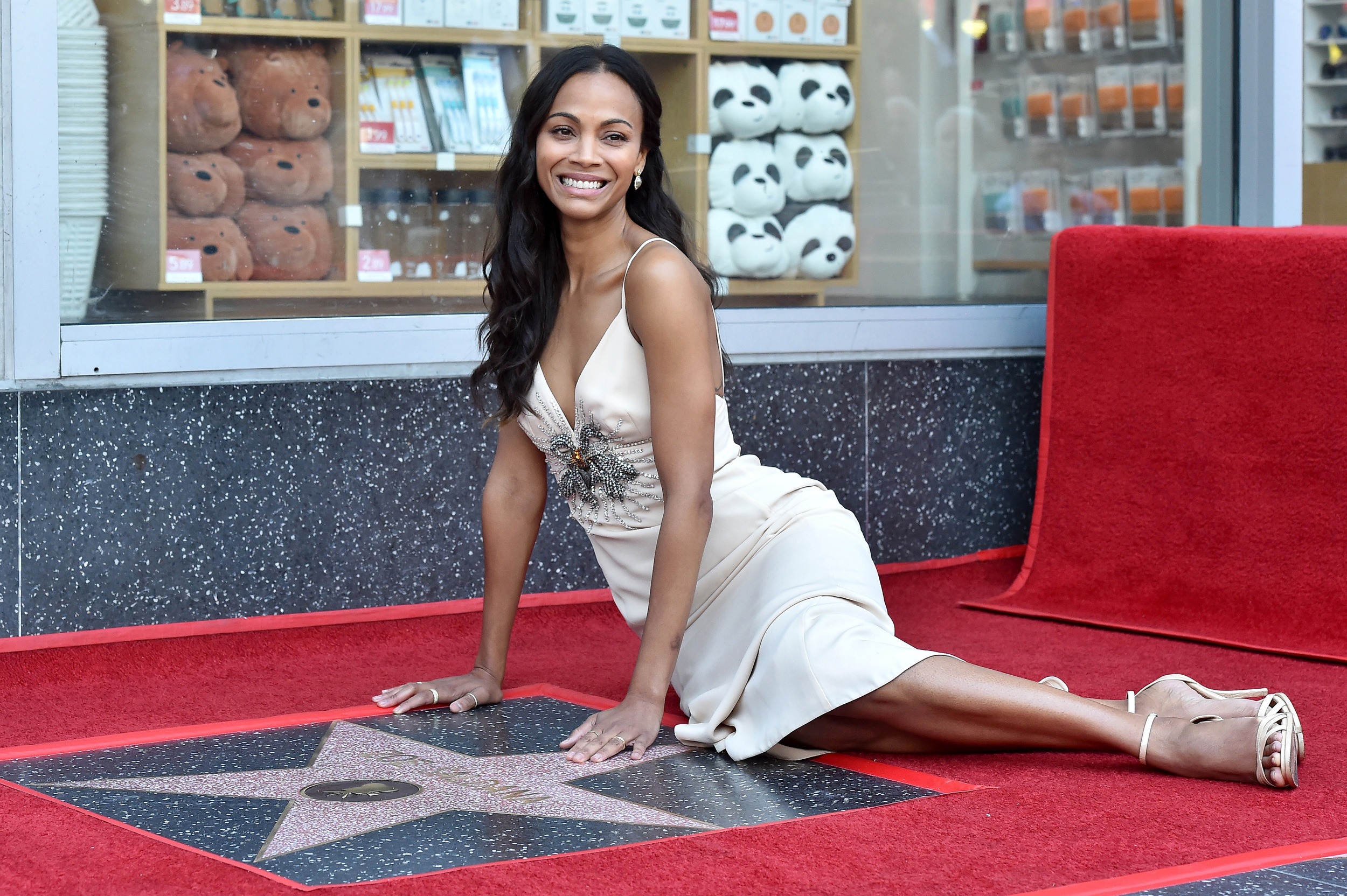 zoe-saldana-honored-with-a-star-on-the-h