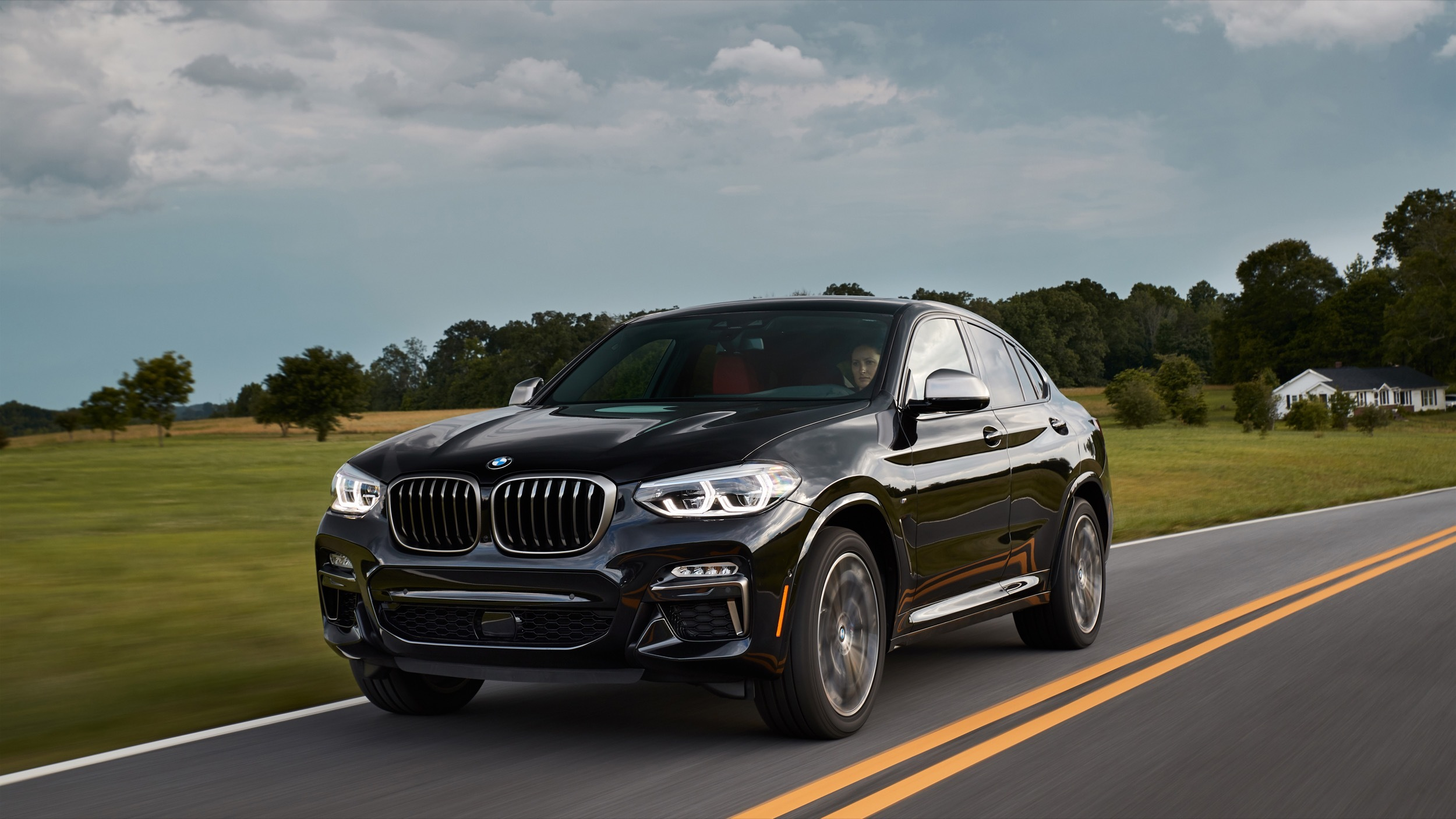 2019 Bmw X4 Review Sacrificing Practicality For Style Autoblog