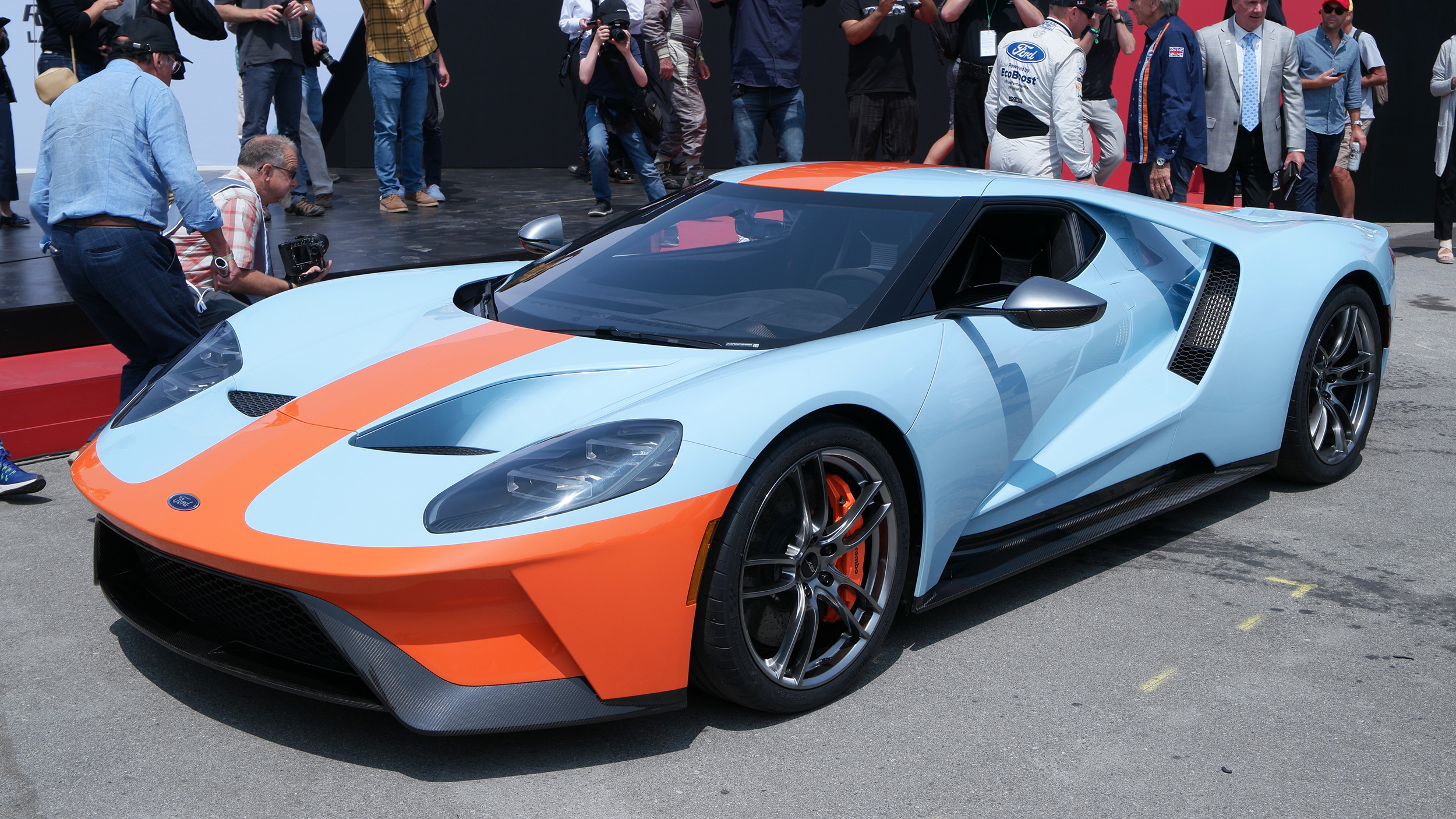 Ford unveils 2019 GT Heritage Edition with Gulf livery ...
