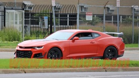 Without Any Camo The 2019 Chevy Camaro Zl1 1le Is Spied