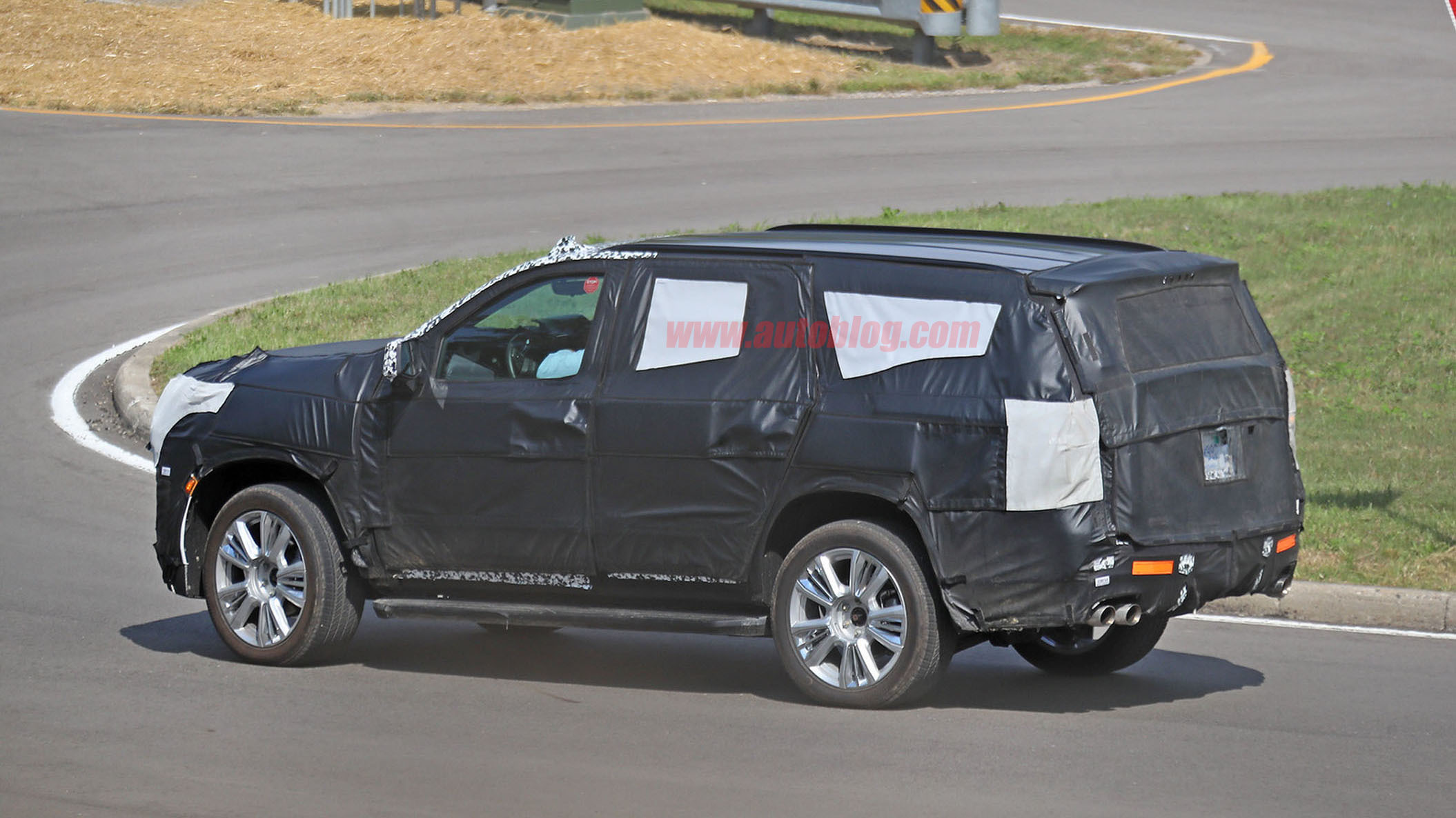 2020 Chevrolet Tahoe spy photos reveal a few key ...