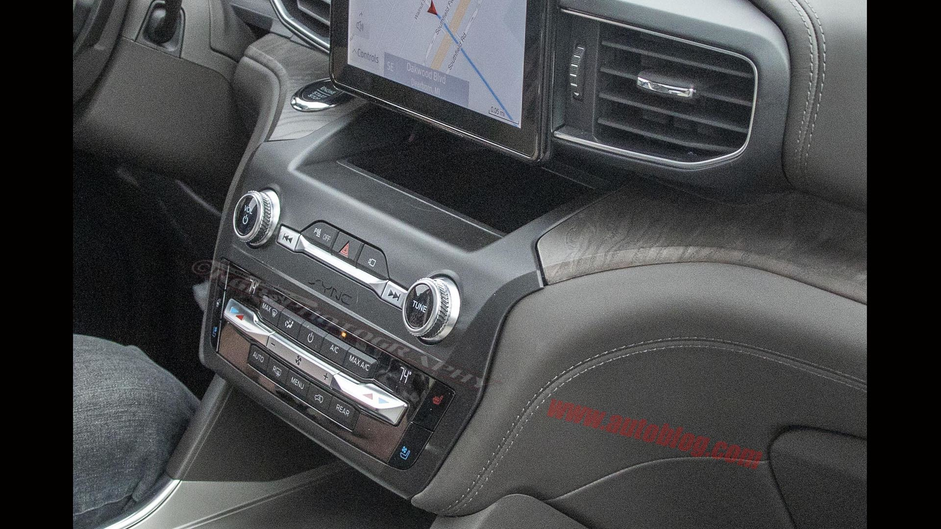 Ford Certified Pre Owned >> 2020 Ford Explorer full interior exposed in spy photos | Autoblog