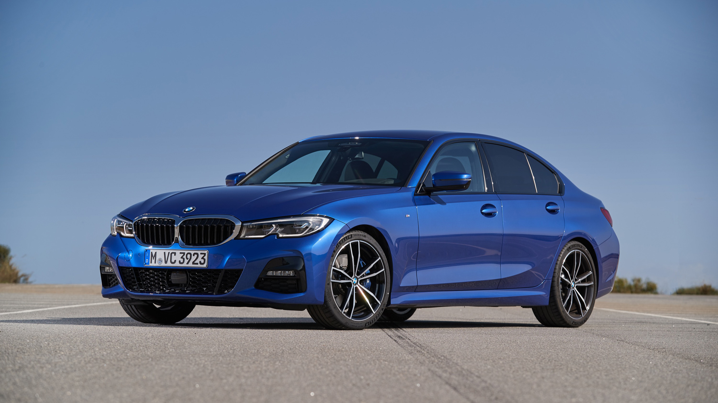 2019 BMW 330i driving review of the redesigned 3 Series