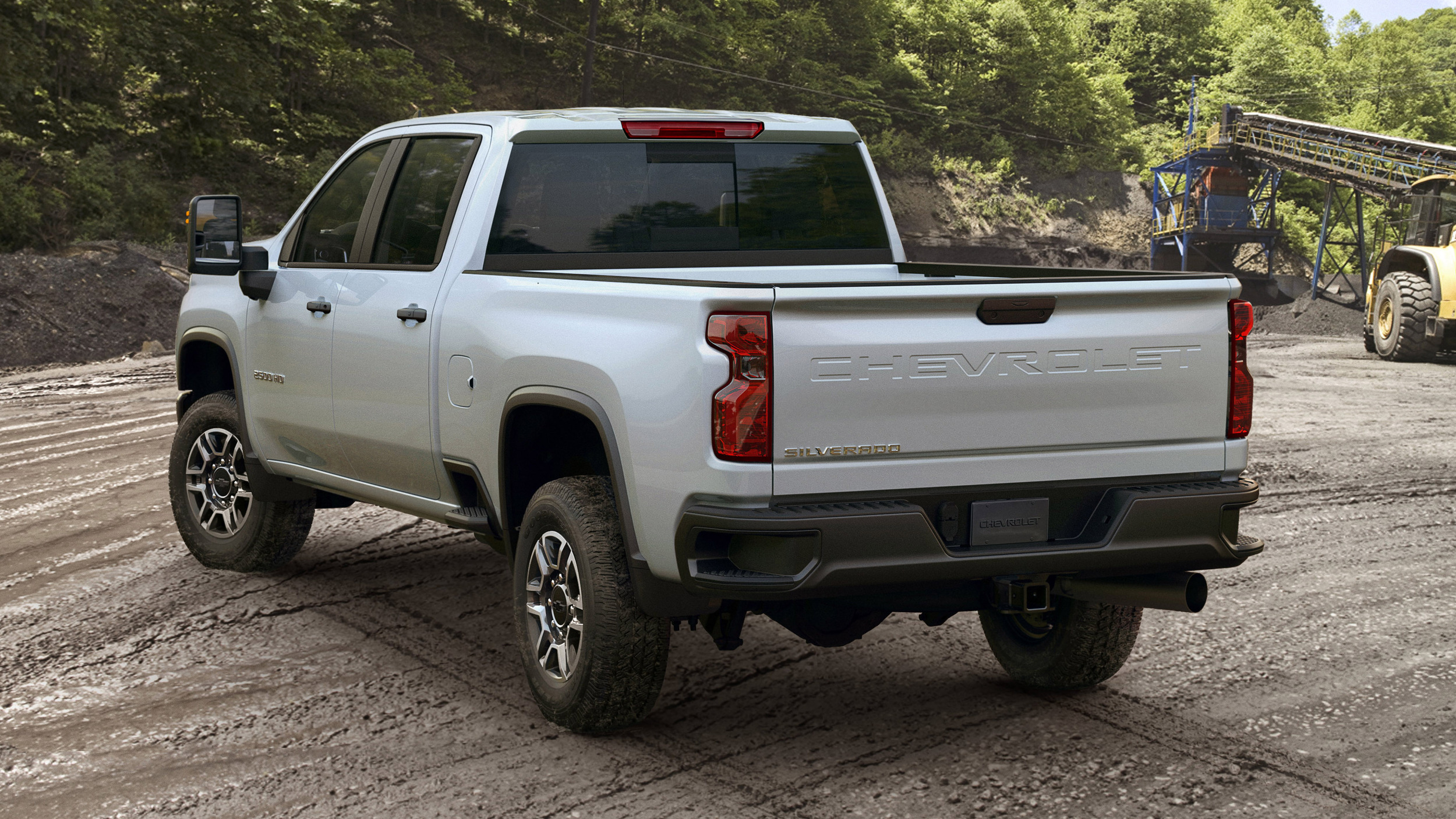 2020 chevy silverado hd base price is less than old model