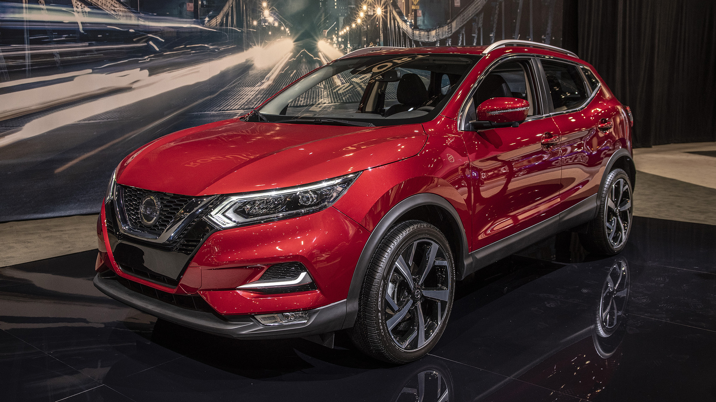 Gas Prices In Chicago >> 2020 Nissan Rogue Sport gets a more distinct look from big-brother Rogue | Autoblog