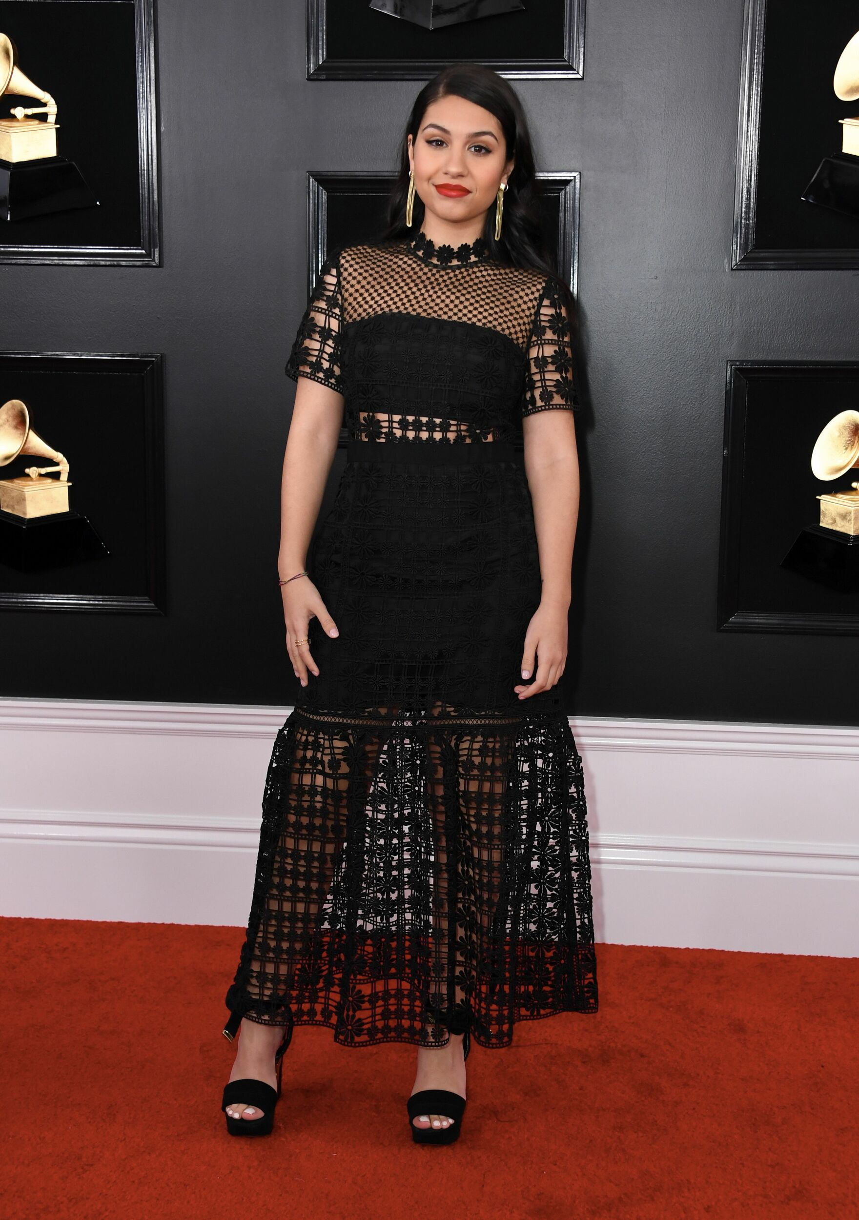 We love you, Alessia Cara! But we don t love this amount of mesh.