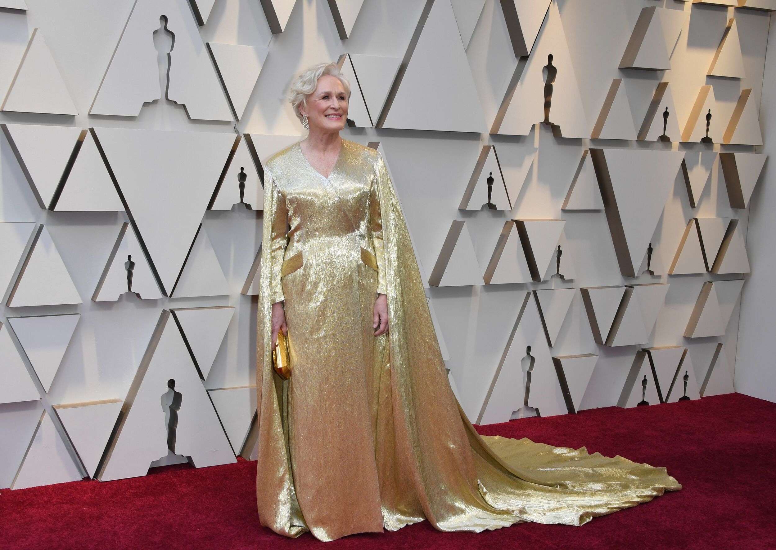 Best Actress hopeful Glenn Close is dressed as a caped Oscar statuette. Can you say the same, Lady Gaga?!