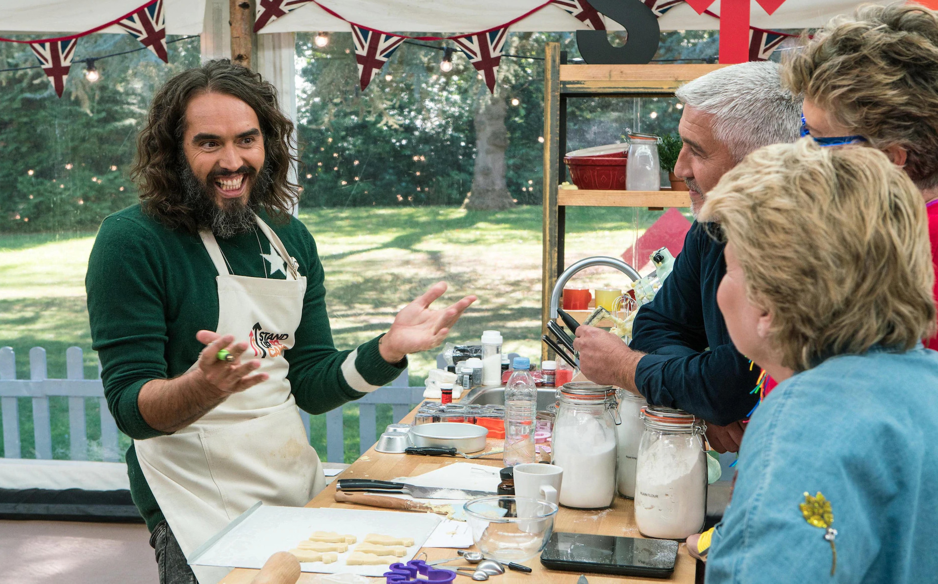 Russell Brand's biscuit vagina triumphs at Celebrity Bake ...